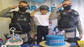 Policiais militares da Paraíba incentivam crianças que desejam seguir a profissão