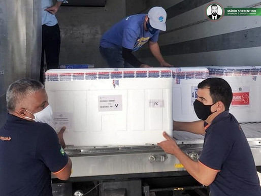 Paraíba recebe lote com mais de 8 mil doses de vacinas da Pfizer e mais de 113 mil da Astrazeneca