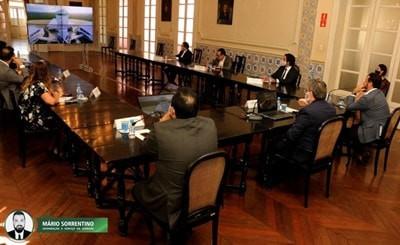 João apresenta projeto do Polo Turístico Cabo Branco a representantes do Ministério do Turismo