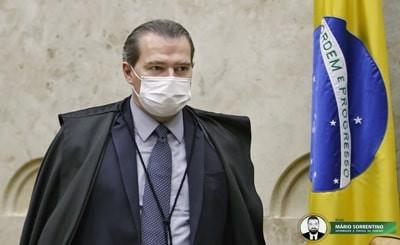 Presidente do STF, Dias Toffoli, sofre acidente doméstico e é internado