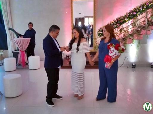 Filha de Eurípedes Leal, Maria Eduarda, festeja seus 15 anos com festa de debutante