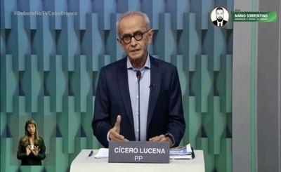 Cícero propõe novo centro comercial e diálogo com ambulantes e comerciantes informais