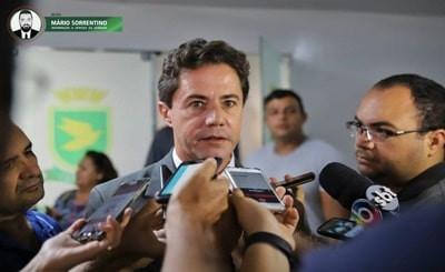 Veneziano lamenta que prefeito de Campina Grande queira fazer política com 20 respiradores e escl...