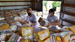 Governo da Paraíba entrega cestas básicas às famílias das comunidades atingidas por barragem