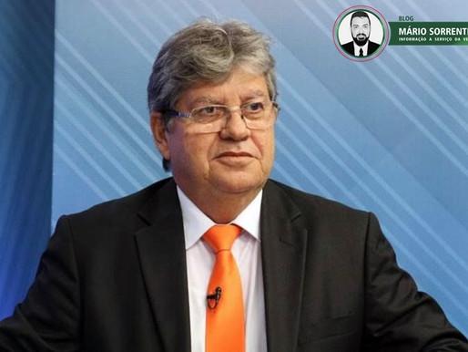 Em suas redes sociais o governador João Azevêdo parabeniza o ex-presidente Lula pelo seu aniversário