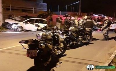 Suspeito de roubar carro de motorista de aplicativo e levar vítima como refém é preso após perseg...