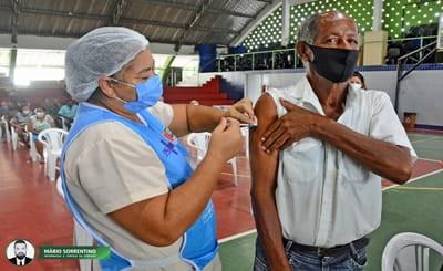 Prefeitura de João Pessoa vacina idosos com 60+ neste final de semana em 27 postos de imunização