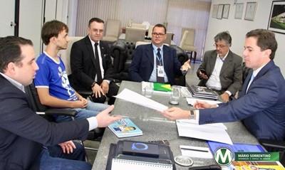 Dia Mundial de Conscientização do Autismo: Congresso Nacional aprecia três projetos do senador Ve...