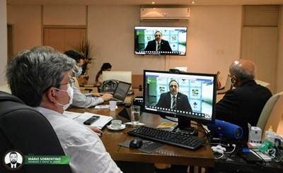 João Azevêdo discute plano de vacinação contra a Covid-19 com ministro da Saúde e governadores