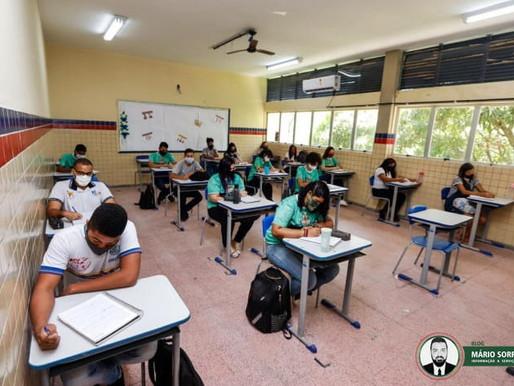 Volta às aulas: Câmara aprova projeto que prevê educação como serviço essencial
