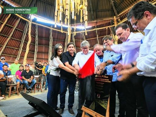 João Azevêdo entrega e anuncia obras nas comemorações dos 66 anos de Pocinhos