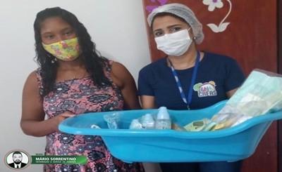 CRAS e CREAS de Alhandra entregam kit enxoval para mães em situação de vulnerabilidade
