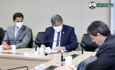 Senador Veneziano e governador João Azevedo tratam no Ministério da Infraestrutura sobre obras ro...