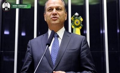 Polícia faz buscas no escritório de Ricardo Barros, líder de Bolsonaro na Câmara