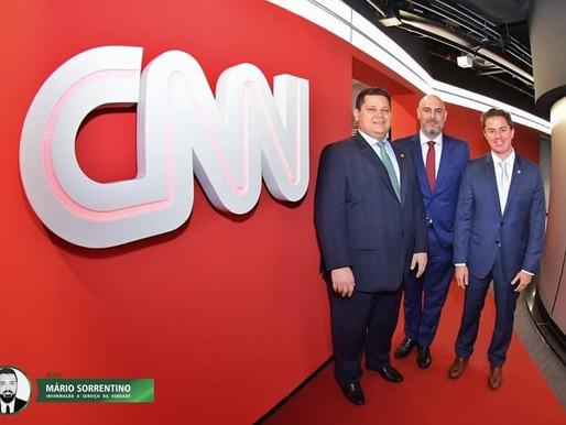 Veneziano acompanha o presidente do Senado, Davi Alcolumbre em inauguração da emissora CNN Brasil