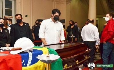 Vice-prefeito e primeira-dama de João Pessoa se despedem do senador José Maranhão