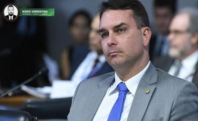 MP denuncia Flávio Bolsonaro por lavagem de dinheiro e peculato
