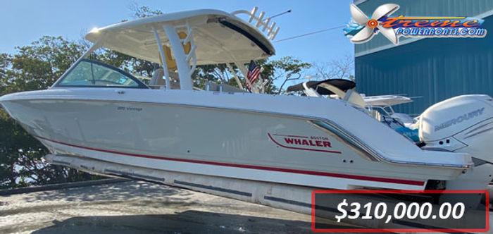 2017 Whaler 320 Vantage.jpg