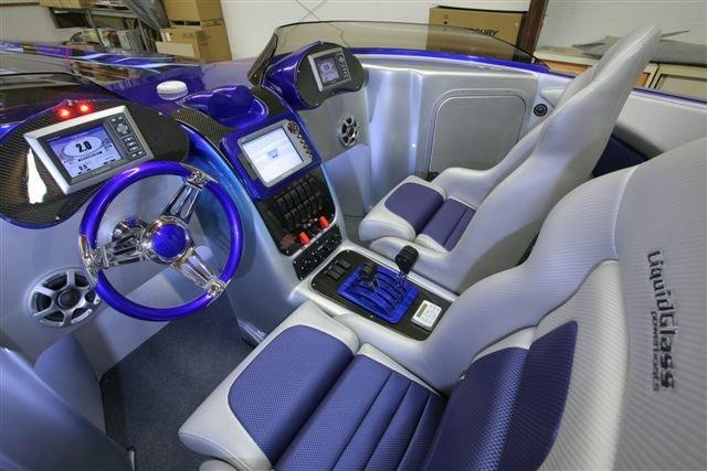 cockpit-front-seats-and-console