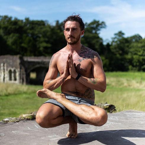 Padangusthasana yoga toe pose