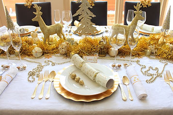 gold and white christmas table.jpg