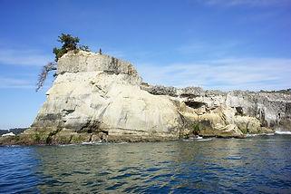 松島湾の外洋に面した宮戸島近辺は奥松島と呼ばれています。 雄大な景観が有名ですが、豊富な魚種に恵まれた漁場です。 また七ヶ浜・仙台新港方面まで行くこともあります。