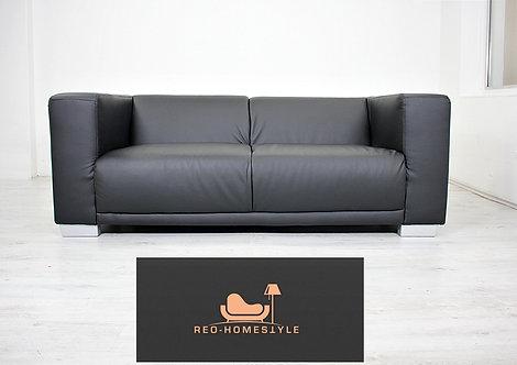 Designer Sofa Couch Zweisitzer Lounge Kunstleder Sitz Wohnzimmer