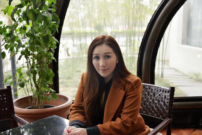 Sabrina ho chiu yeng 0410cd_2150531f95834441b063bab4c2ff30c9~mv2
