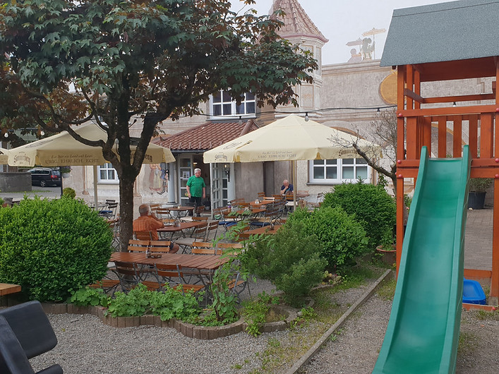 Spielplatz_Biergarten.jpg