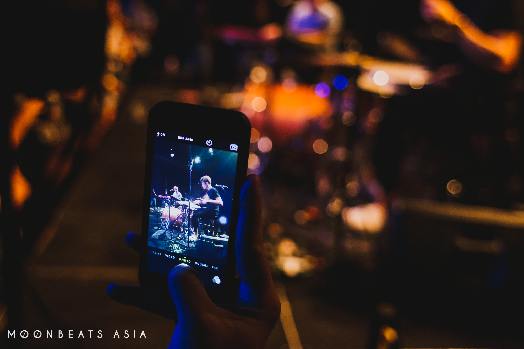 Moonbeats with Panama, Singapore