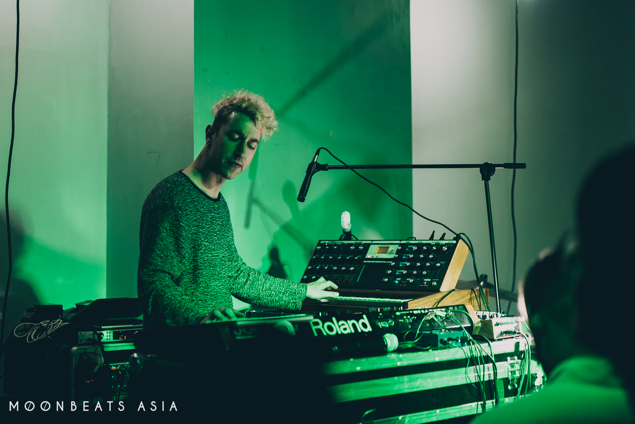 MOONBEATS ASIA / Chrome Sparks