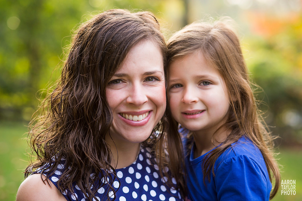 natural light portrait of mother and daughter