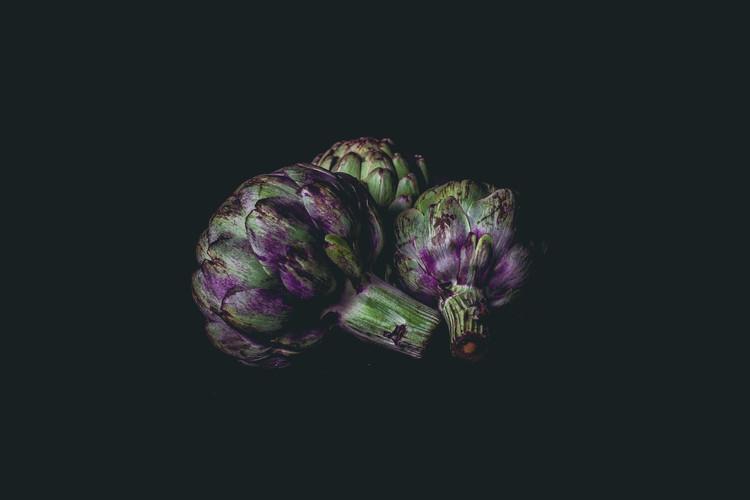 food photography artichokes
