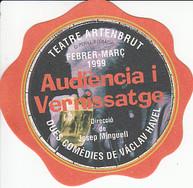 Pere Anglas és membre fundador de la companyia Teatre de Calaix. A Audiència i Vernissatge, la primera producció de la companyia, a banda de participar-hi com a actor, també assumeix el rol de productor executiu.  Audiència i Vernissatge són dues de les obres més conegudes de l'assagista i dramaturg txec, activista i defensor de les llibertats durant l'ocupació de Txekoslovàquia per les tropes soviètiques. Va ser empresonat per aquest motiu, i posteriorment, després de la caiguda del règim comunista, va ser president de la República Socialista de Txèquia i Eslovàquia i, des que van escindir-se en dos nous estats el 1993, de la República Txeca.  Autor: Václav Havel  Direcció: Josep Minguell  Actors: Míriam Alamany, Pere Anglas, Oriol Genís i Josep Minguell Traducció: Eva Kruntorádová i Josep Minguell Escenografia i vestuari: Gina Cubeles Il·luminació: Tomàs Pladevall Ajudant de direcció: Montse Alivés Regidoria: Rut Beltran Tècnic de llum i so: Josep Maria Cadafalch Construcció de l'escenografia: Francesc Malpesa Disseny gràfic: Born Design Grup, SA Fotografia: Martí Català Producció executiva: Míriam Alamany i Pere Anglas Administració: Alícia Anguera Distribució: Bitò
