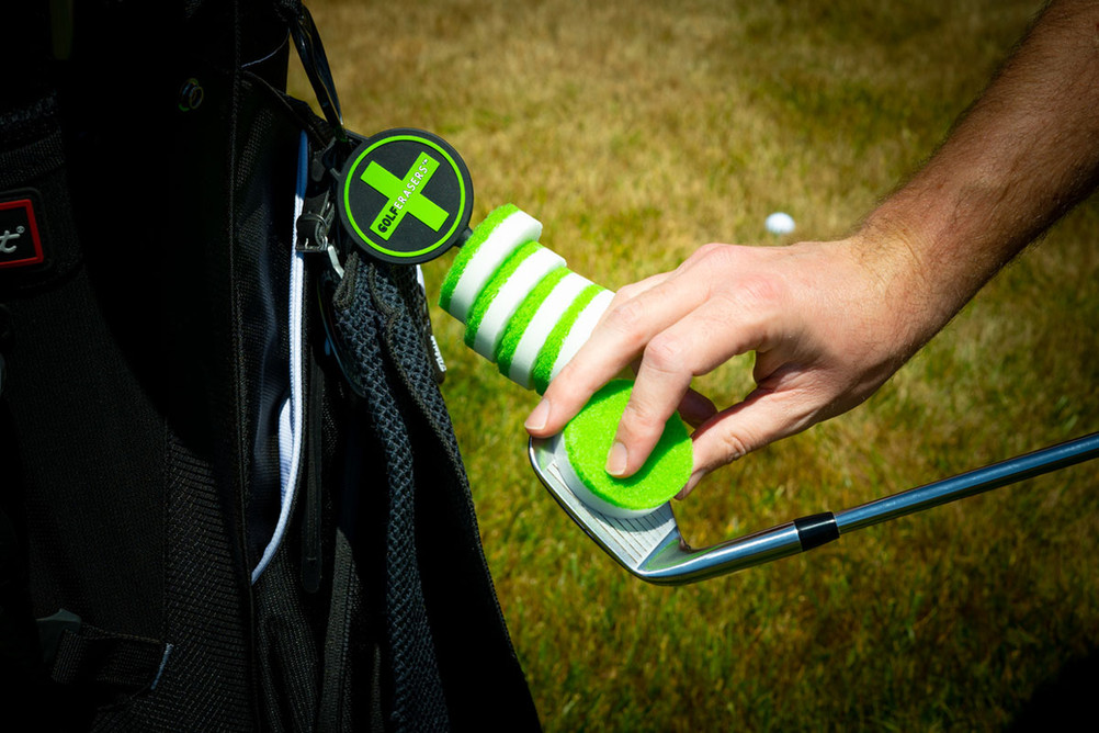 Easily cleans clubs between shots