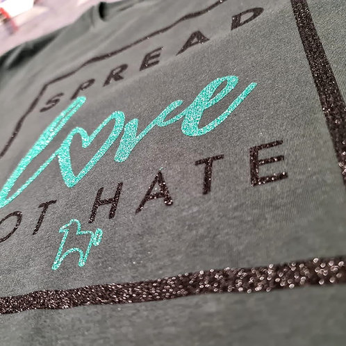 Kids SPREAD LOVE! | Bio-Shirts | Spendenaktion für #reitergegencybermobbing