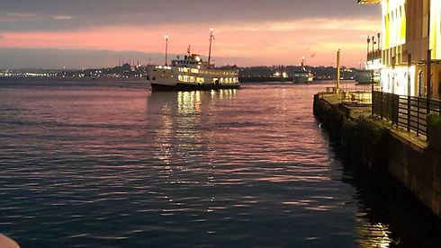 kadıköy iskelesi.jpeg