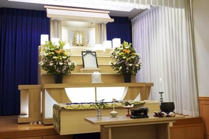 花祭壇とはどんなもの? 花で送る葬儀とは