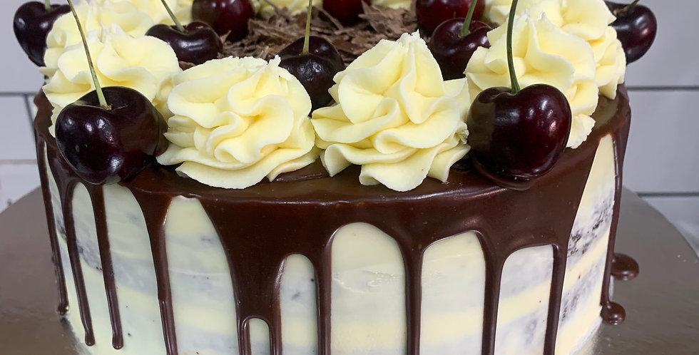 BERRY DRIP CAKE