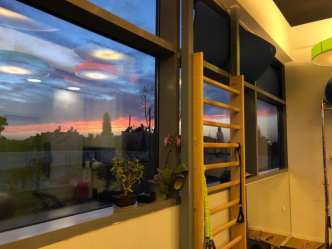 הנוף הנשקף מחלונות מרכז קורן