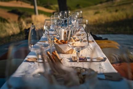 Degustazione in Vigna Anfra Tavolo.jpg