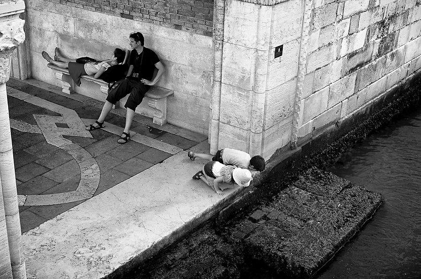Look there | Pierfranco Fornasieri