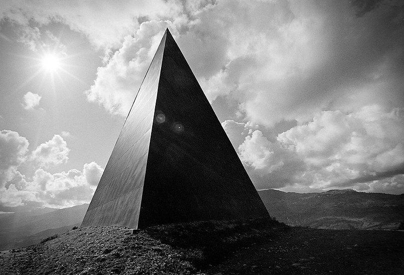 La piramide 3, Motta d'Affermo (ME) | Carlo Riggi