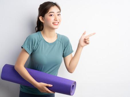 初心者必見!ヨガを習うなら教室とオンラインどっちがいいの?メリット・デメリットを紹介