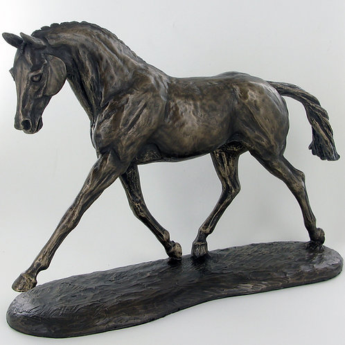 "Brons skulptur ""Trotting Warmblood"""