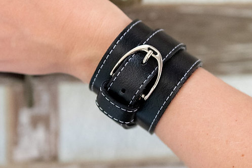 Armband Stigbygel i läder svart