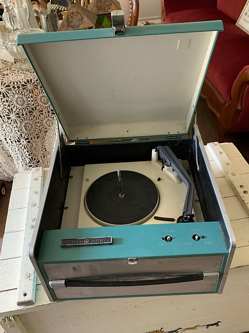 Vintage General Electric record player