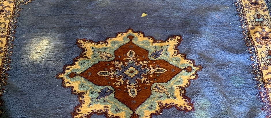 Why to get your rugs cleaned by professional rug cleaning experts rather than carpet cleaners.