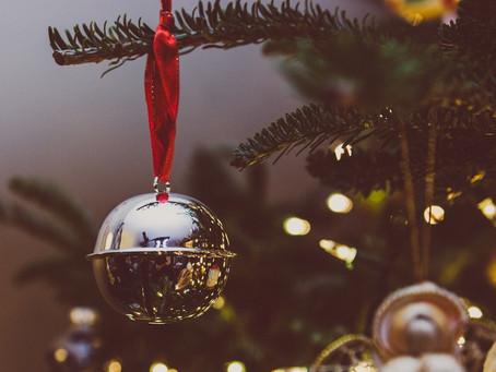 8 CHRISTMAS DECORATING TIPS FOR A MORE JOYFUL CHRISTMAS!
