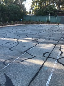 Asphalt / bitumen repairs and cracksealing